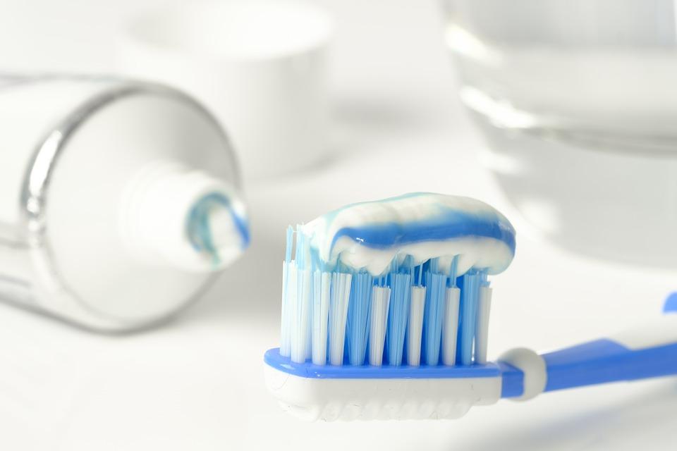 ¿Qué pasa si no te cepillas los dientes?
